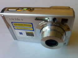Sony Cybershot W80 digital camera front