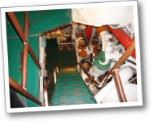hms belfast stairs 04_th